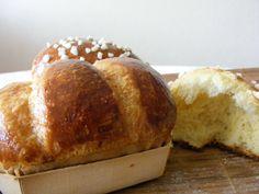Recette de Vraie brioche du boulanger : la recette Croissants, Cooking Chef, Cooking Recipes, Traditional Cakes, Piece Of Cakes, How To Make Bread, Dessert Recipes, Beignets, Biscuits