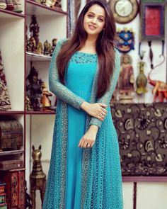 Beauty Pictures: Party wear and dresses Gown Party Wear, Party Wear Indian Dresses, Indian Gowns Dresses, Dress Indian Style, Party Wear Sarees, Designer Anarkali Dresses, Designer Party Wear Dresses, Kurti Designs Party Wear, Indian Designer Outfits