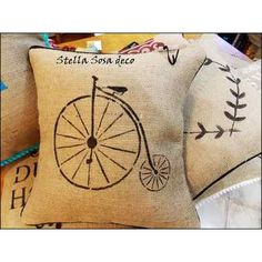 Almohadón Arpillera Vintage - $ 140,00 Stencils, Projects To Try, Joy, Throw Pillows, Crafts, Decorative Bed Pillows, Accent Pillows, Painted Flower Pots, Fabrics