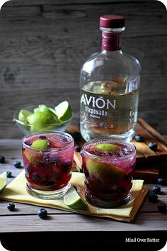 Blueberry Lime Smash Cocktail Recipe  #Purple #Blueberry #Lime #Smash #Cocktail #Recipe