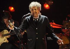 Bob Dylan and Toni Morrison Bestowed with Medal of Freedom