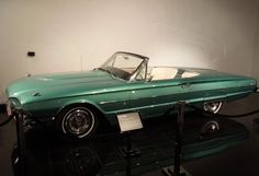 Thelma & Louise 1966 Ford Thunderbird Convertible movie car