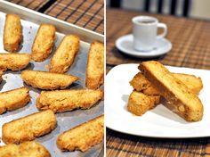 Kim Pesch of @eat.sleep.wear.makes almond biscotti