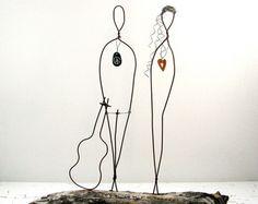 Mariage cadeau Wire Sculpture sur bois flotté par idestudiet