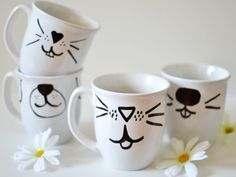 We promise that you don't need to be an artist to make these adorable mugs. Get the how-to via @Whimsy Darling >>