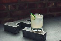GRAPEFRUIT MULE - INGRÉDIENTS  1.5 oz (45 ml) de vodka SKYY 0.75 oz (22 ml) de jus de pamplemousse frais 1 oz (30 ml) de jus de lime frais 0.75 oz (22 ml) de sirop de gingembre infernal Lab Soda