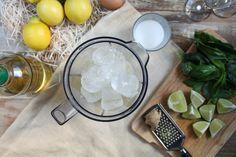 Pisco Sour albahaca-jengibre - El Sabor de lo Bueno Pisco Sour, Cocktails, Table Decorations, Home Decor, Gastronomia, Gourmet, Appetizer Recipes, Pastries, Meals