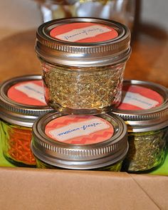 Great spice jar - canning jars - and FREE printables for your jars, too!