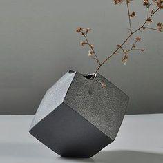 Square stoneware vase #handmade #clay #pottery #vase #ceramics #contemporary #miminal #minimalist