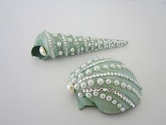 Thought this was a pretty sea shell idea for sea shell crafting.