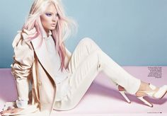 all white/cream and pink hair. i need this in my life.