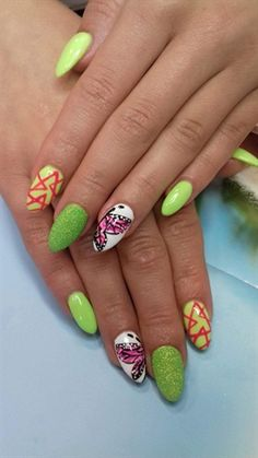 #butterfly#triangles#freehand#gel#❤️