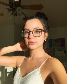 Merrell Twins Instagram, Merell Twins, Veronica And Vanessa, Veronica Merrell, Vanessa Merrell, Girl Crushes, Beautiful People, Photoshoot, Hair Styles