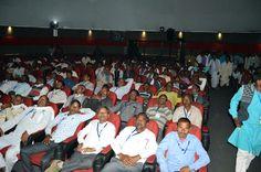 छत्तीसगढ़ की 13 वर्षों की तरक्की का सफर फाइव-डी के जरिये देखने को मिला, तो बलरामपुर जिले के पंच-सरपंच भी इससे बेहद प्रभावित हुए. अध्ययन यात्रा के दौरान इमर्सिव डोम थियेटर के विशाल पर्दे पर उन्हें सरकार की उपलब्धियों के बारे में बताते हुए मुख्यमंत्री डॉ. रमन सिंह अपने गाँव-क्षेत्र में इसी तरह विकास करने की उम्मीद जताते हैं. दल के साथ एक दिव्यांग प्रतिनिधि भी भ्रमण यात्रा में शामिल हैं, वे भी फाइव-डी देखने यहाँ पहुंचे.