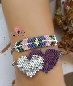 Source by aysubeyzideniz Bead Jewellery, Diy Jewelry, Beaded Jewelry, Beaded Earrings, Beaded Bracelets, Peyote Beading, Layered Jewelry, Bracelet Tutorial, Bead Weaving