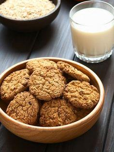 Cookies με βρώμη και μήλα #μπισκότα #cookies Sweet Recipes, Dog Food Recipes, Cookie Recipes, Cookie Bars, Biscuits, Almond, Cereal, Bakery, Sweet Home