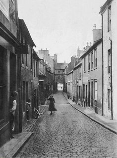The Wide Entry Dumfries around 1895 Now Great King Street Galloway Scotland, Great King, My Town, Old Photos, Bobs, Street View, Travel, Old Pictures, Viajes