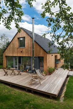 Modern barn style house with waterfront views on Lake Conjola Metal Building Homes, Building A House, Style At Home, Wood House Design, Barndominium Floor Plans, Rustic Exterior, Modern Barn, Modern Wood House, Modern Fence