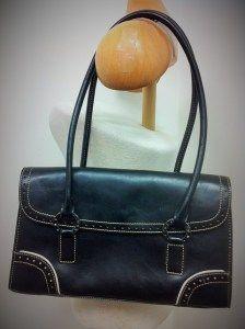 Tommy Hilfiger leather purse / handbag