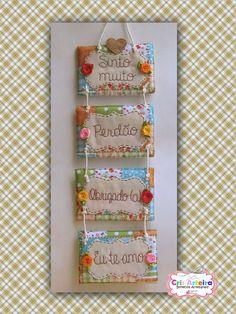 Enfeite para porta ou parede Ho'oponopono, confeccionado em feltro e bordado à mão. Cute Crafts, Diy And Crafts, Diy Projects To Try, Sewing Projects, Raw Edge Applique, Thread Painting, Art For Art Sake, Mini Quilts, Vintage Shabby Chic