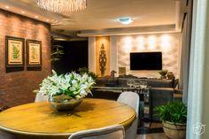 Sala de jantar e estar integradas e aconchegantes Casa Clean, New Years Eve Party, Table Settings, Dining Room, Home Decor, Style, Snuggles, New Houses, Interior Decorating
