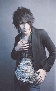 Kenji. Golden Bomber.