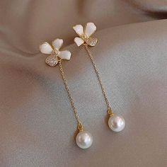 Korean 4 Petals Flower Pearl Long Earrings For Women 2020 New Jewelry Elegant Simple Pendientes | Touchy Style Simple Bead Earrings, Unique Earrings, Women's Earrings, Fashion Earrings, Swarovski, Long Pearl Necklaces, Nickel Free Earrings, Charm Jewelry, Gold Jewelry
