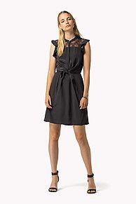 249,00 euro Acquista silk dress di Tommy Hilfiger ed esplora la collezione di evening dresses per women. Reso gratutito & consegna gratutita più di €100. 8719253265068