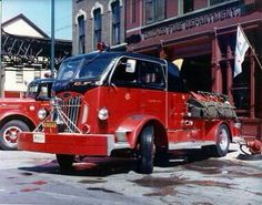 us Chicago,IL FD Autocar Squad 1952