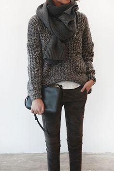 ☆chunky grey sweater and scarf