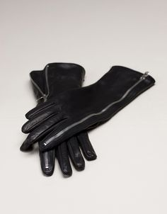 zip leather gloves. cant wait to buy some for this cold winter!