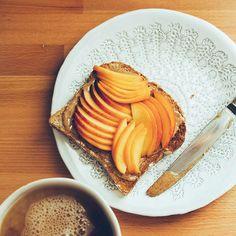 Peaches on Almond-Buttered Toast and Vanilla Bean Black Tea https://instagram.com/p/6kN2YcIg--/?taken-by=thefirstmess&utm_content=buffer849e7&utm_medium=social&utm_source=pinterest.com&utm_campaign=buffer Photo by Santiago Murcia