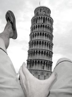 /// pisa, tuscany, italy: the leaning tower of pisa Creative Pictures, Great Photos, Funny Photos, Pisa Tower, Pisa Italy, Tuscany Italy, Things To Do In Italy, Forced Perspective, Lol