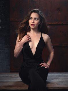 Emilia Clarke                                                                                                                                                                                 Plus