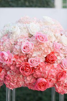 Lovely ombre pink wedding bouquet #wedding #bouquet #blushpink #blushpinkwedding #bride