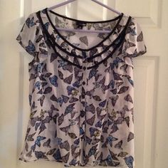 East 5th Button Front Butterfly Top Layer Blouse Beautiful east 5th Petite Medium button front short sleeve butterfly blouse. This is see-through, to be worn as top layer. New without tags! East 5th Tops Blouses