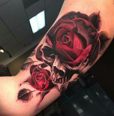 125 kick-ass skull tattoos for men & women - wild tattoo art Hand Tattoos, Skull Rose Tattoos, Unique Tattoos, Body Art Tattoos, Sleeve Tattoos, Tatoo Rose, Tattoo Girls, Girl Tattoos, Tattoos For Guys