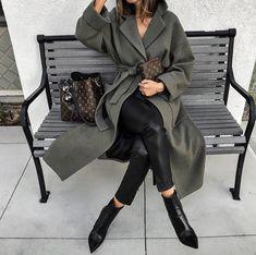 New fashion outfits zara street styles Ideas Black Women Fashion, Look Fashion, New Fashion, Fashion Outfits, Womens Fashion, Fashion Clothes, Trendy Fashion, Fashion Ideas, Girl Fashion