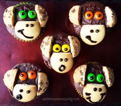 These DIY Monkey Cupcakes are so, so easy and absolutely adorable. So fun no one will be able to resist them! Chips Ahoy Cookies, Chocolate Covered Raisins, Monkey Cupcakes, Easy Food To Make, How To Make, Felt Fish, Easy Dinner Recipes, Easy Recipes, Bulk Food
