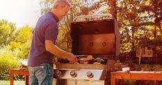 Quoi manger quand il fait trop chaud pour allumer le four? Des recettes simples et sans cuisson pour passer plus de temps dehors avec ceux qu'onaime. Soirée Bbq, Gâteau Tres Leches, Mayonnaise, Picnic Potluck, Yams, Croissant, Cocktails, Drinks, Grilling
