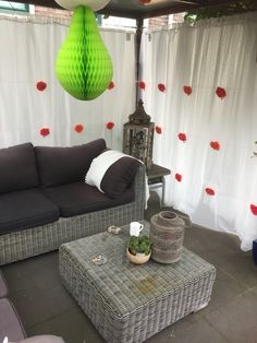 My #ikea #hack for my #garden #curtains #gordijnen / voor mijn tuin.  Supllies   dignitet staal kabel 6.79, 2 x innaren douchegordijn 1.49 2x ringsjön ringen 0,99 1 x lill vitrage 3.49 5 doosjes bloemen met led decoratie ikea aanbieding 1,50 ex batterijen 5 pakjes batterijen (2032)action a 0,89 cent   Aan twee kanten onder een overkapping, heerlijk beschut droogzitten.   Totaal budget 24,91 per kant. De andere zijde was iets langer en ik heb gekozen voor een extra douche gordijn plus ringen.