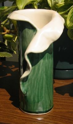 Slab Built Pottery Projects | ... homepage.mac.com/anastasia_c/Hobbies/pottery/summer2003/vase-slab.jpg