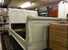 This bed was painted with Old White Chalk Paint® decorative paint by Annie Sloan, then sealed with Annie Sloan Clear soft wax and slightly distressed. If you are interested in purchasing this bed, come check it out at our Victoria Location, or on our website at http://www.fauxgetmenots.com/furniture/queen-sleigh-bed   Happy Painting   Rhonda