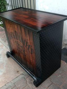 Vintage industrial furniture – Eclectic Home Decor Today Modern Industrial Furniture, Metal Furniture, Unique Furniture, Pallet Furniture, Luxury Furniture, Furniture Ideas, Rustic Basement Bar, How To Clean Furniture, Furniture Cleaning