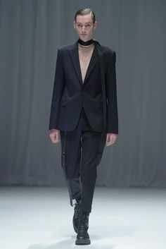 DRESSEDUNDRESSED Fall/Winter 2016 - Fucking Young!