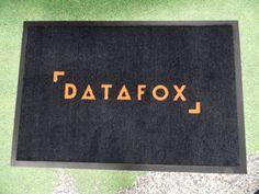 Logomatto Datafox: http://www.promostar.fi/logomatto_omalla_kuvalla