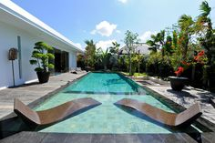 Enjoy your #sunbathing in the #turquoise #pool and a #tropical atmosphere.