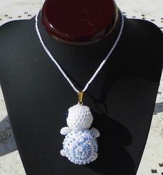 Colliers mi-longs, sautoir cinthia la tortue perlée est une création orginale de…