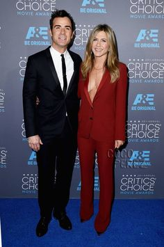 Jennifer Aniston Sexes Up The Critics' Choice Awards With Justin Theroux & Just A Body Chain Underneath Her Revealing Blazer!