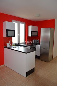 Čierno biela kuchyňa - BMV Kuchyne